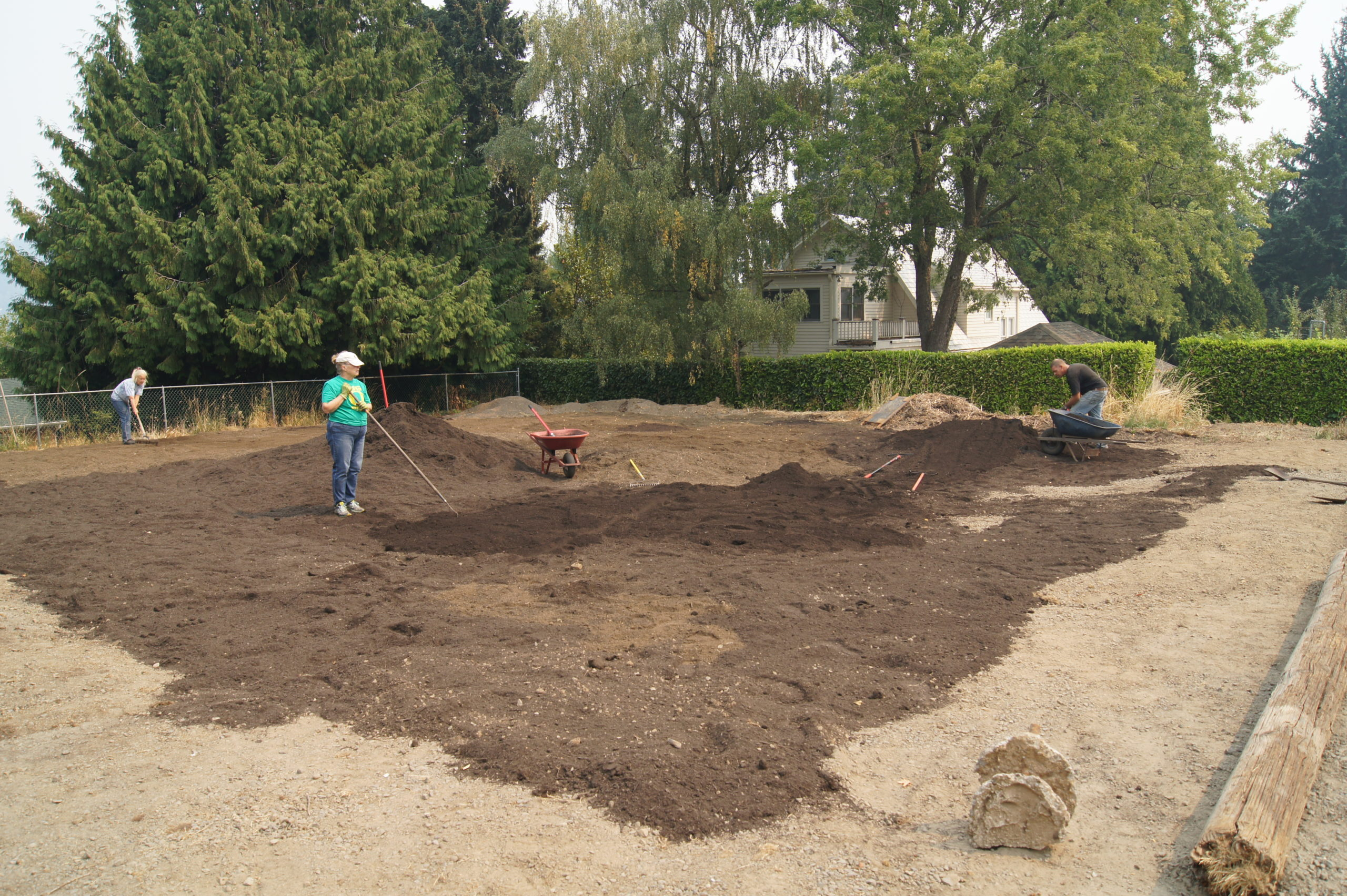 building crossroads community garden